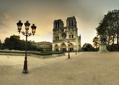 Paris - Notre-Dame - 28-04-2007 - 7h00 (Panoramas) Tags: morning panorama paris france church sunrise de point geotagged soleil twilight cathedral dusk perspective iglesia kirche notredame chiesa cathdrale ciel fv10 vanishing crpuscule glise eglise hdr ptassembler lever matin kathedral fuite etiennecazin   interestingness413 i500 smartblend lampaire  tiennecazin geo:lat=48853396 geo:lon=2347641