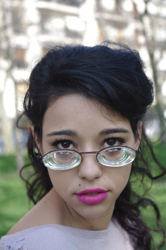 be3fafc86611 Stunning raven haired girl with long hair wearing strong myodisc glasses