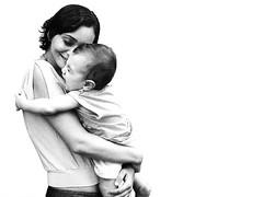 O ABRAO (Bia Moraes) Tags: portrait baby kids self children retrato amor carinho pb sorriso abrao criana feliz crianas divertido fofura emoo biamoraes porbiamoraes