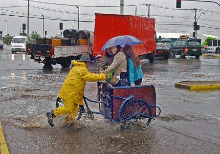 Llueve Santiago en Febrero