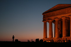 Night falls on the ruins (nyecka) Tags: sunset italy architecture concordia sicily agrigento greektemple friendsofworldheritage aplusphoto festivalitaly newlighte lparch