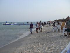 Baigneurs sur la plage