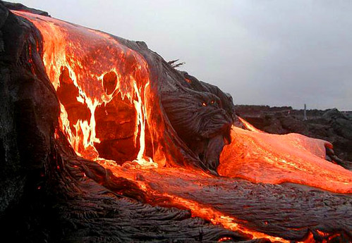 422519273 a8004ddc17 Danger and Beauty of Hawaiian Volcanoes