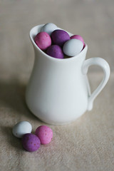 egg pitcher - by macro girl