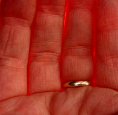 hand sun (marcusboltart) Tags: red sun sunshine canon blood warm flickr hand xray weddingring eos20d bloodred