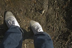 muddy_balloons_14 (sneaker lover) Tags: white fetish balloons shoes dirty canvas worn sneaker muddy keds