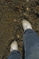 muddy_balloons_32 (sneaker lover) Tags: white fetish balloons shoes dirty canvas worn sneaker muddy keds