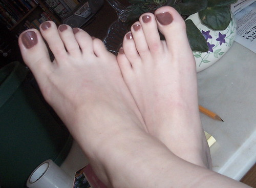 pretty toes - a photo on Flickriver