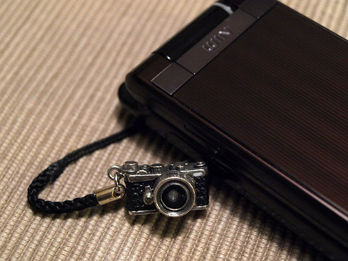 携帯のカメラストラップ