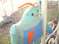 knit robot.
