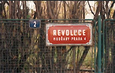revoluce bld