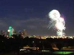 Kaboom! (Whatknot) Tags: blur 2004 skyline dallas texas fireworks flag kaboom nightlight oops tada fourth whatknot p150
