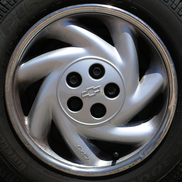 squaredcircle chevrolet cavalier wheel cover silver chevy jgoldpac 2005