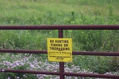 Warning sign outside Arrow Rock, Missouri, farm (20050703) (rsgranne) Tags: sign rural country mo missouri summer2005 arrowrock
