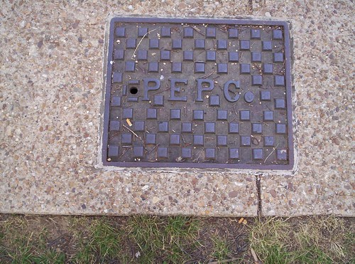 Pepco manhole cover, 4th St. NW on National Mall