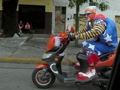 payaso-motorizado - by sosa