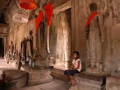 girl at angkor wat (iamtonyang) Tags: cambodia khmer girl angkorwat