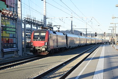 1116 145 mit railjet 62/862 in Salzburg (3679) (oebbtrainspotting) Tags: westbahn 1116 rh1116 railjet rj62 62 rj862 862 taurus rjtaurus salzburg wien bregenz münchen