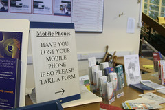 Have you lost your mobile phone (3951) (jdunlevy) Tags: uk greatbritain england sign mobile lost europa europe phone desk britain cellphone reception oxford mobilephone forms arrow form oxfordengland lostmobilephone lostmobile oxfordbrookes oxfordbrookesuniversity brochures brochure pleasetakeaform haveyoulostyourmobilephone receptiondesk lostphone informationdesk oxfordshire