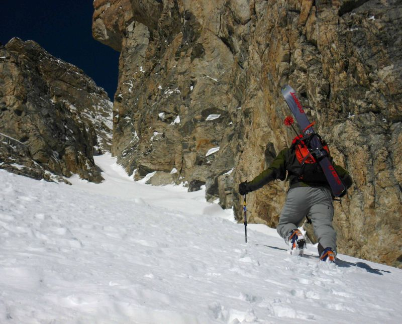Dustin breaks trail towards the upper Chouinard Couloir