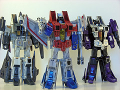 You talkin to me? Er, us? (revlimit) Tags: transformers classics seekers starscream ramjet skywarp nikons10