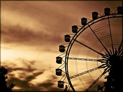 Great Wheel Apocalypto - The Last Ride (AnnuskA  - AnnA Theodora) Tags: topf25 colors bravo apocalypse doom favoritas faves dramaticsky topf100 topf200 hopihari armagedon greatwheel magicdonkey apocalypto flickrsbest 3000v120f thelastride abigfave anawesomeshot impressedbeauty reallydramatic willigetzillionsofviewsbecauseoftheapocalyptotaghahahaprofitingwithamoviemarketing hopihariathemeparkinthestateofsopaulo frhwofavs world100f