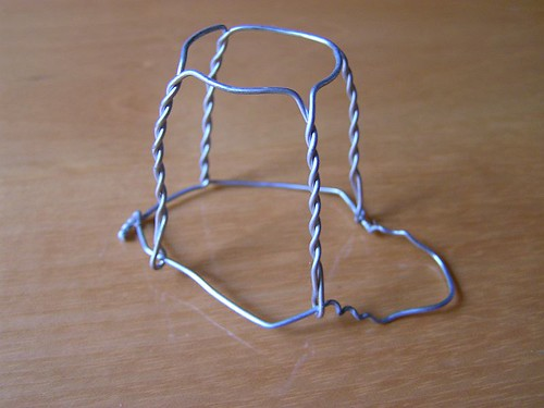 Champagne Wire Sculpture Step 1