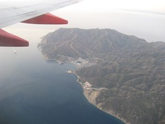 The plane flew right over Catalina as I returned home. (03/13/07)