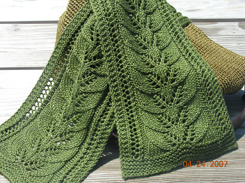 Column of Leaves Scarf 3