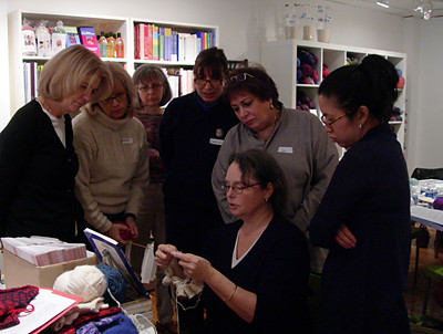 knitting students with Beth Brown-Reinsel