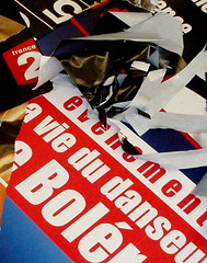 Vie du danseur (KatJaTo) Tags: metro couleurs colourful plakat color affiches mtroparisien colleurdaffiche