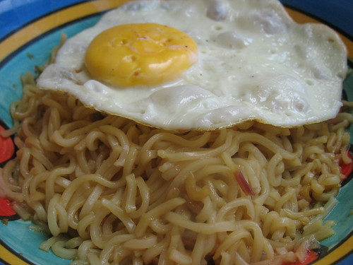 Mee goreng with sunny side up