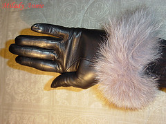 cloudofsoftness7c (Annie Cameron) Tags: cloud leather softness gloves annie milady