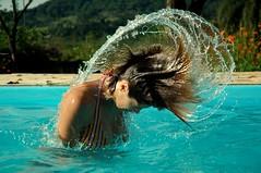 Refreshing (Leley) Tags: water pool agua kisses piscina hi soe wethair sobrinha leley bestviewedinlarge abigfave duetos goldenphotographer flickrdiamond cabelomolado unico42 superdueto diaadiadobrasileiro