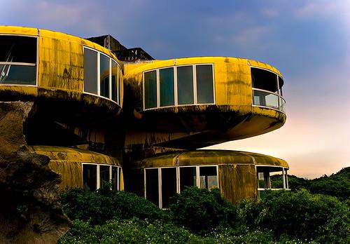 Abandoned Villa, San-zhr, Taiwan