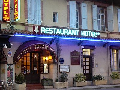 entrée de l'hôtel de France.jpg