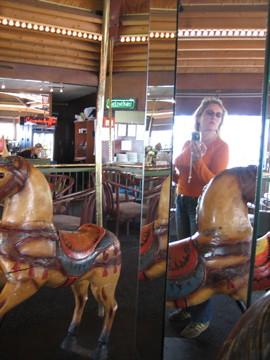 (17-4) last day's carousel