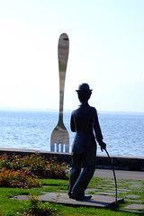 Charlot and the giant fork (2)
