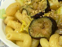 豚肉と椎茸と長ネギのバター醤油パスタ