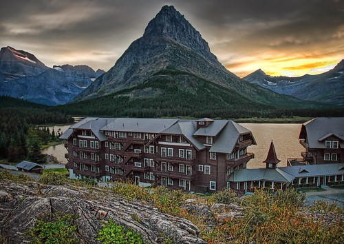 Many Glacier Hotel / © All rights reserved