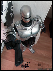 Giant Robocop (Hailey Kitten) Tags: toy toys actionfigure cop hero figure talking robocop actionhero robo mcfarlane