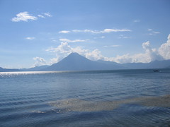 IMG_1483 (Carlos Fandango) Tags: lake america central bluewater guatamala volcaniclake atilan 20062007