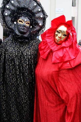 Couple dressed up Venetian-style