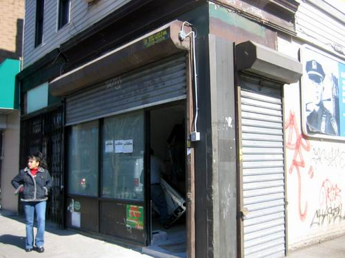 Cafe 1020 Manhattan Ave