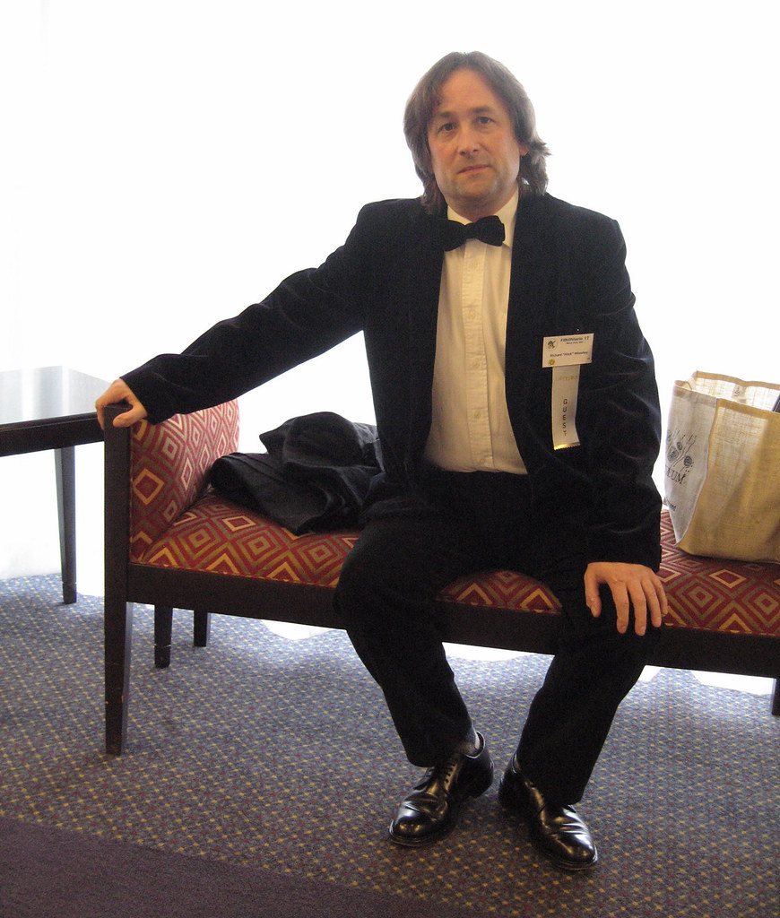 Hitch before the concert