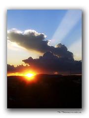 Raio de sol (Fernando Fogagnolo) Tags: pordosol sol céu s5100 vermelho nuvens sap crepúsculo raiodesol santoantôniodaplatina