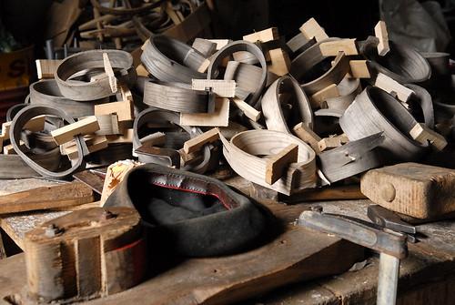 Colliers pour mettre les cloches aux brebis