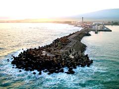 Kahului, Maui Harbor Entrance (Doug Langham) Tags: harbor pacificocean breakwater fujifinepixs7000 kahuluimaui