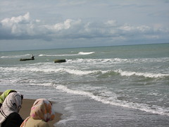 Shomal 102 (manamhr) Tags: sea cloud fisherman women iran north hijab caspian