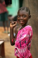 pinky (janchan) Tags: poverty portrait people children retrato refugees documentary ghana liberia ritratto reportage povertà pobreza refugeecamp childsoldiers blueribbonwinner buduburam whitetaraproductions